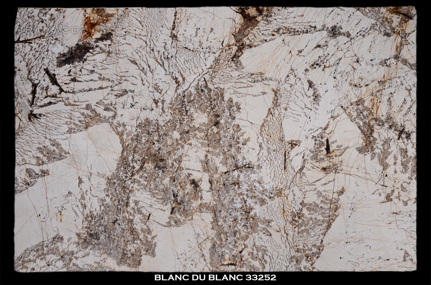 BLANC-DU-BLANC-33252---FULL-SLAB-BLACK