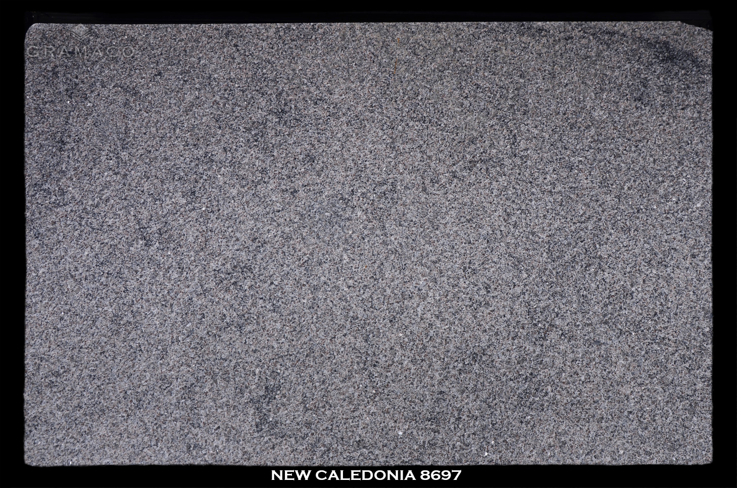 NEW-CALEDONIA-8697---FULL-SLAB-BLACK