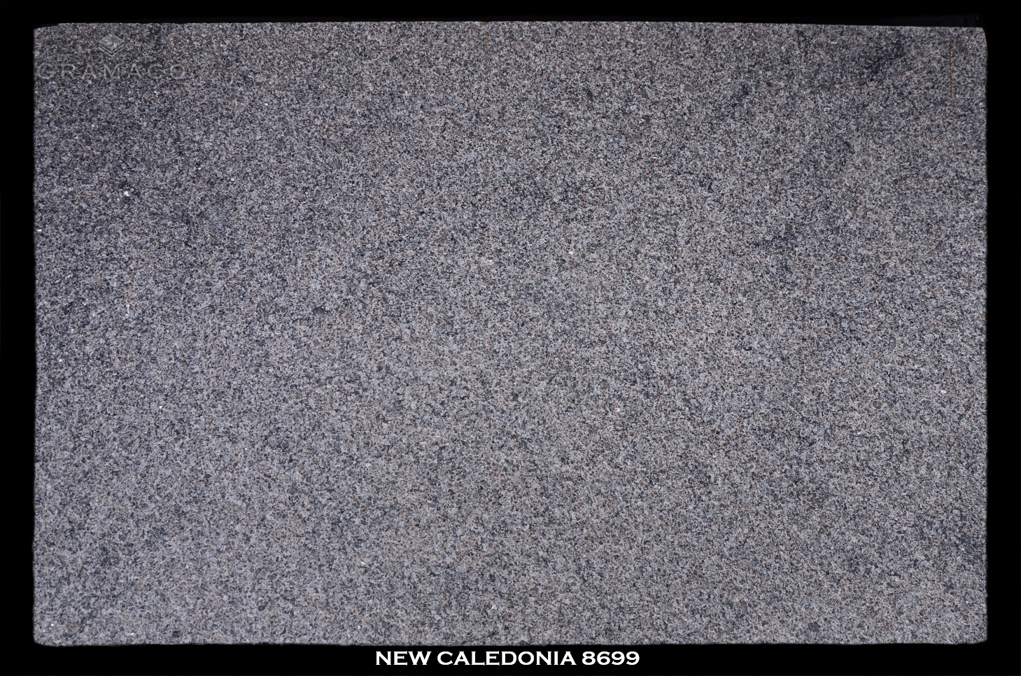 NEW-CALEDONIA-8699--FULL-SLAB-BLACK