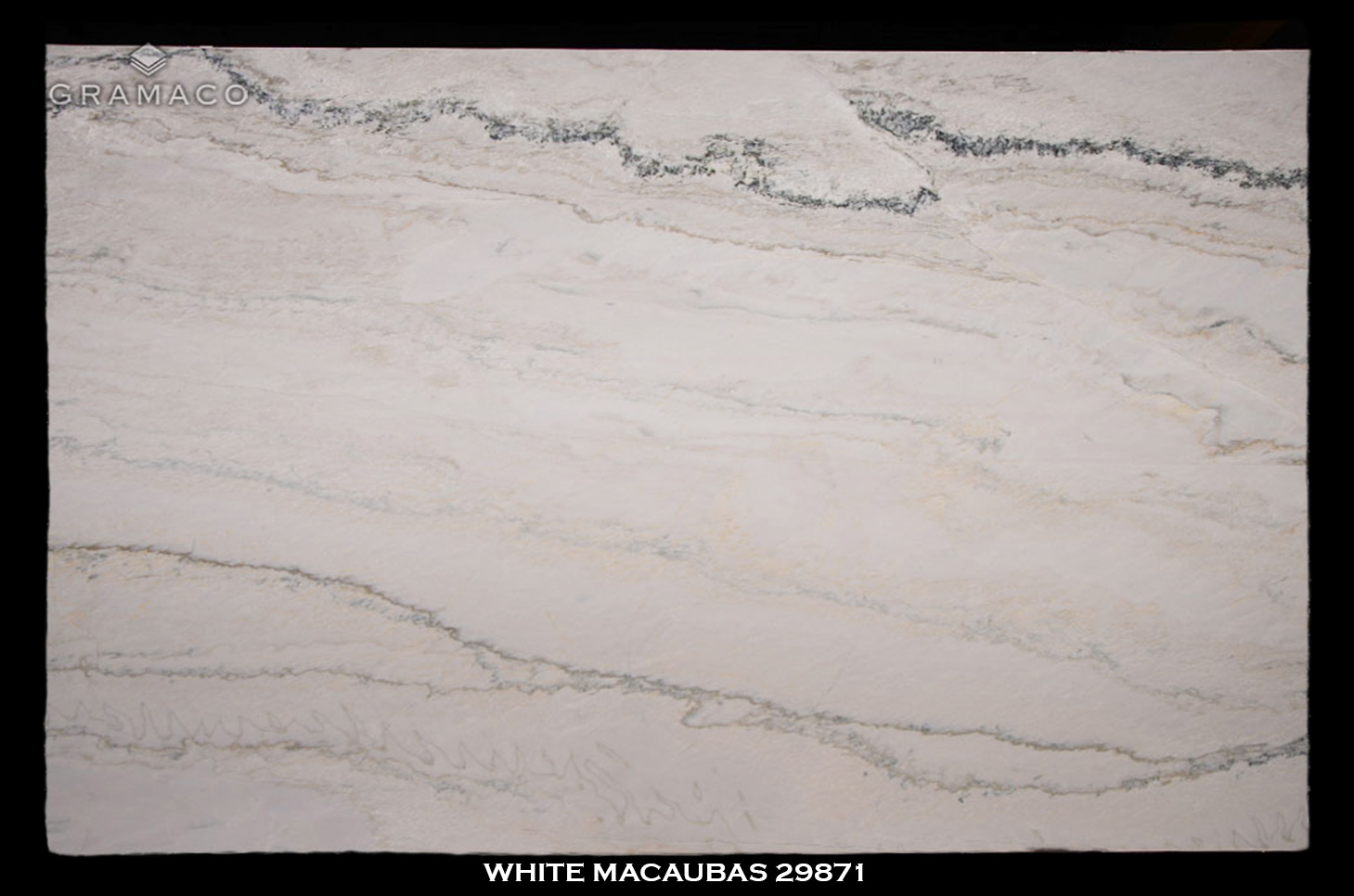 WHITE-MACAUBAS-29871---FULL-SLAB-BLACK