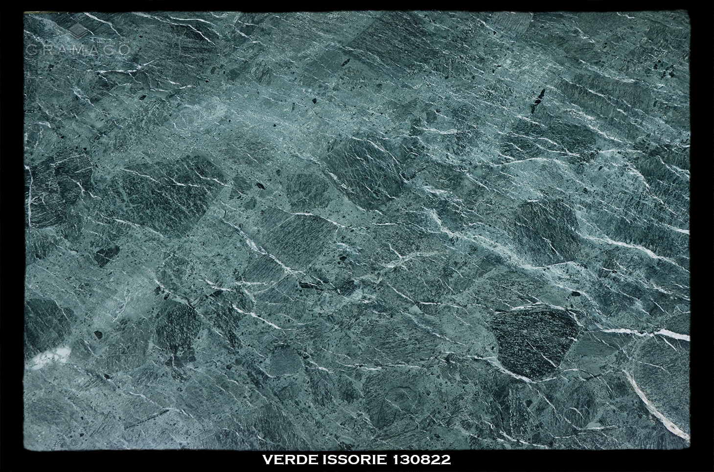 VERDE-ISSORIE-130822-FULL-SLAB-BLACK