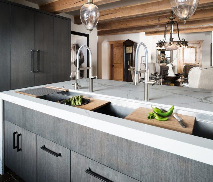 contemporary-kitchen-calacatta-vagli
