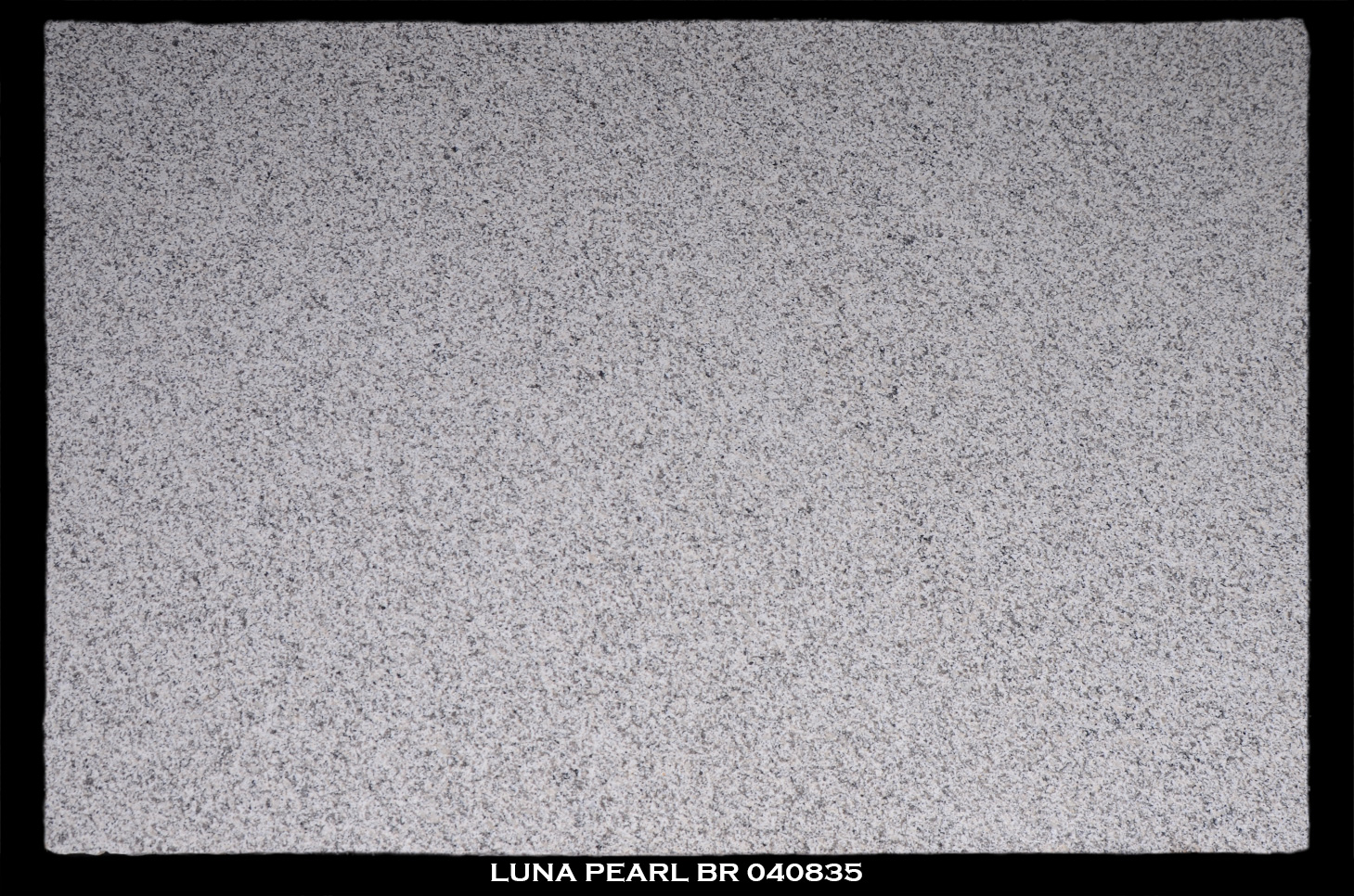 luna-pearl-br-040835-slab